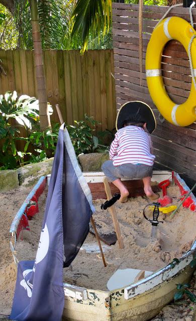 DIY Old Boat Sand Pit