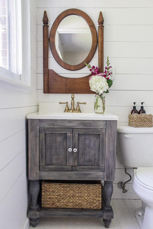 DIY Rustic Farmhouse Vanity