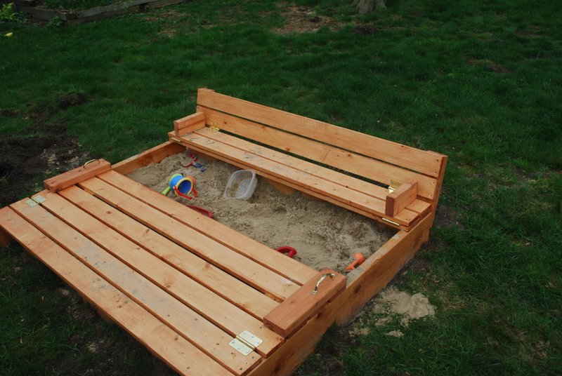 DIY Sand Box With Built-In Seats