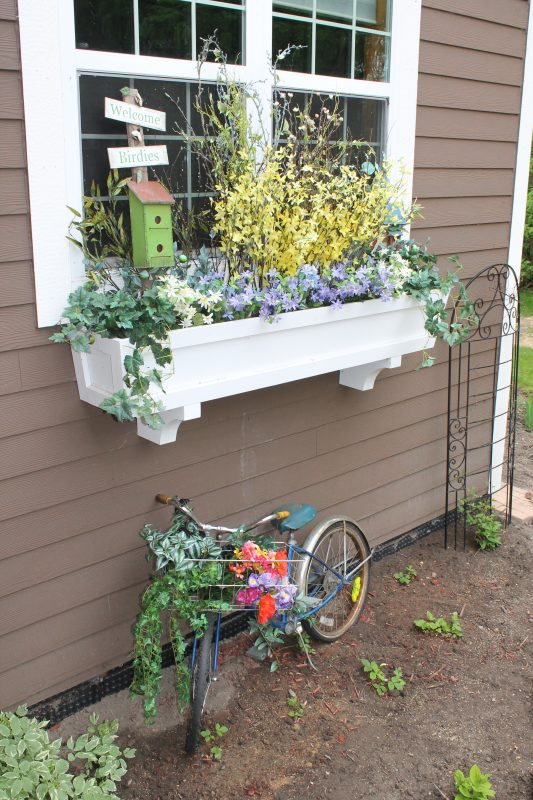 DIY Window Box Planter From REMODELaholic