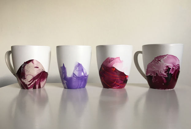 Marble Mugs Using Nail Polish
