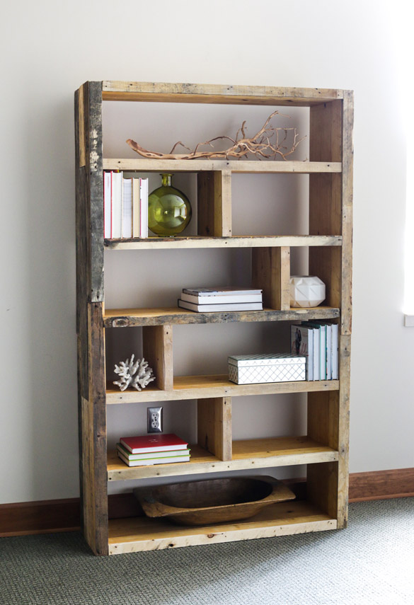 DIY Crates & Pallet Bookshelf