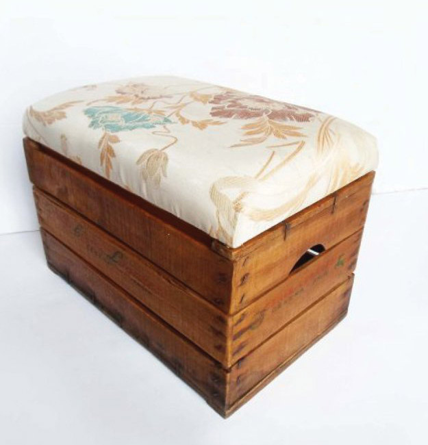 DIY Vintage Wooden Crate Ottoman