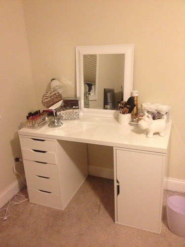 DIY Makeup Vanity Desk Set Up