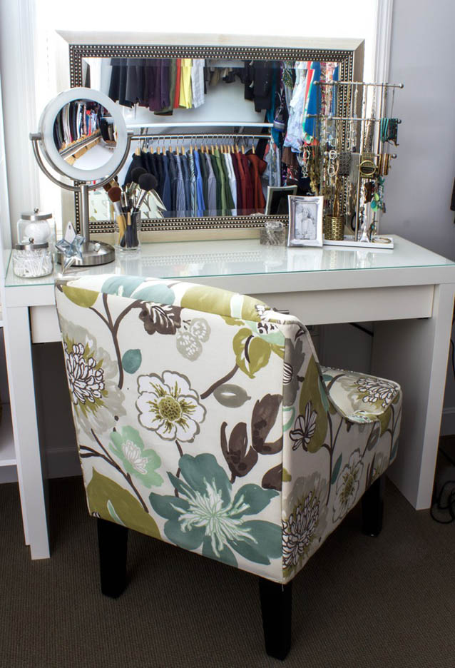 DIY Makeup Vanity by IAlwaysPickTheThimble