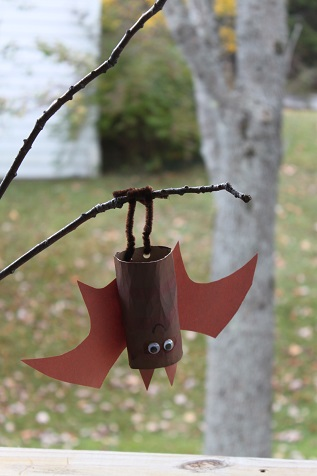 DIY Paper Roll Bat